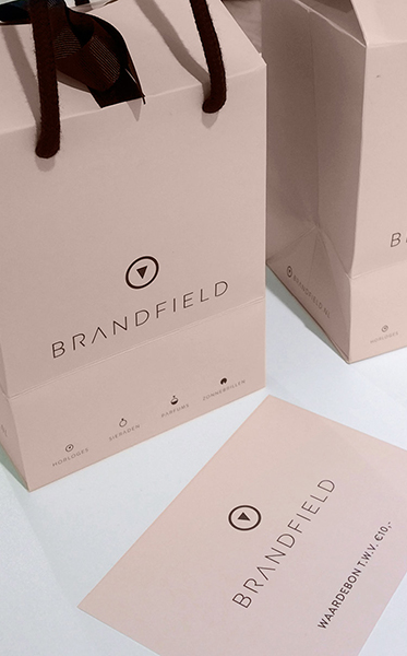 03_BRANDFIELD_BRAND_COMMUNCIATION_PACKAGING_STORE_CARD