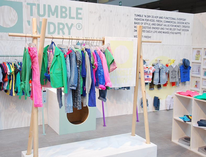 04_TUMBLE_N_DRY_BRAND_SPACES_TRADE_SHOW_CONCEPT_4